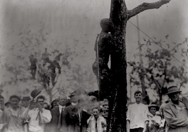 1280px-Lynching_of_Jesse_Washington,_1916